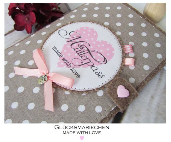 "Mutterpasshülle ""made with love"" - beige/rosa"