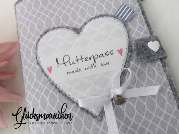 """MUTTERPASS-Einband """"HERZ"""" -Filz grau - Ornamente"""